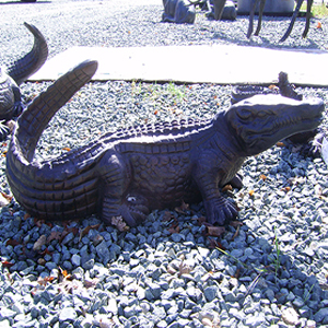 alligator-garden-statues1