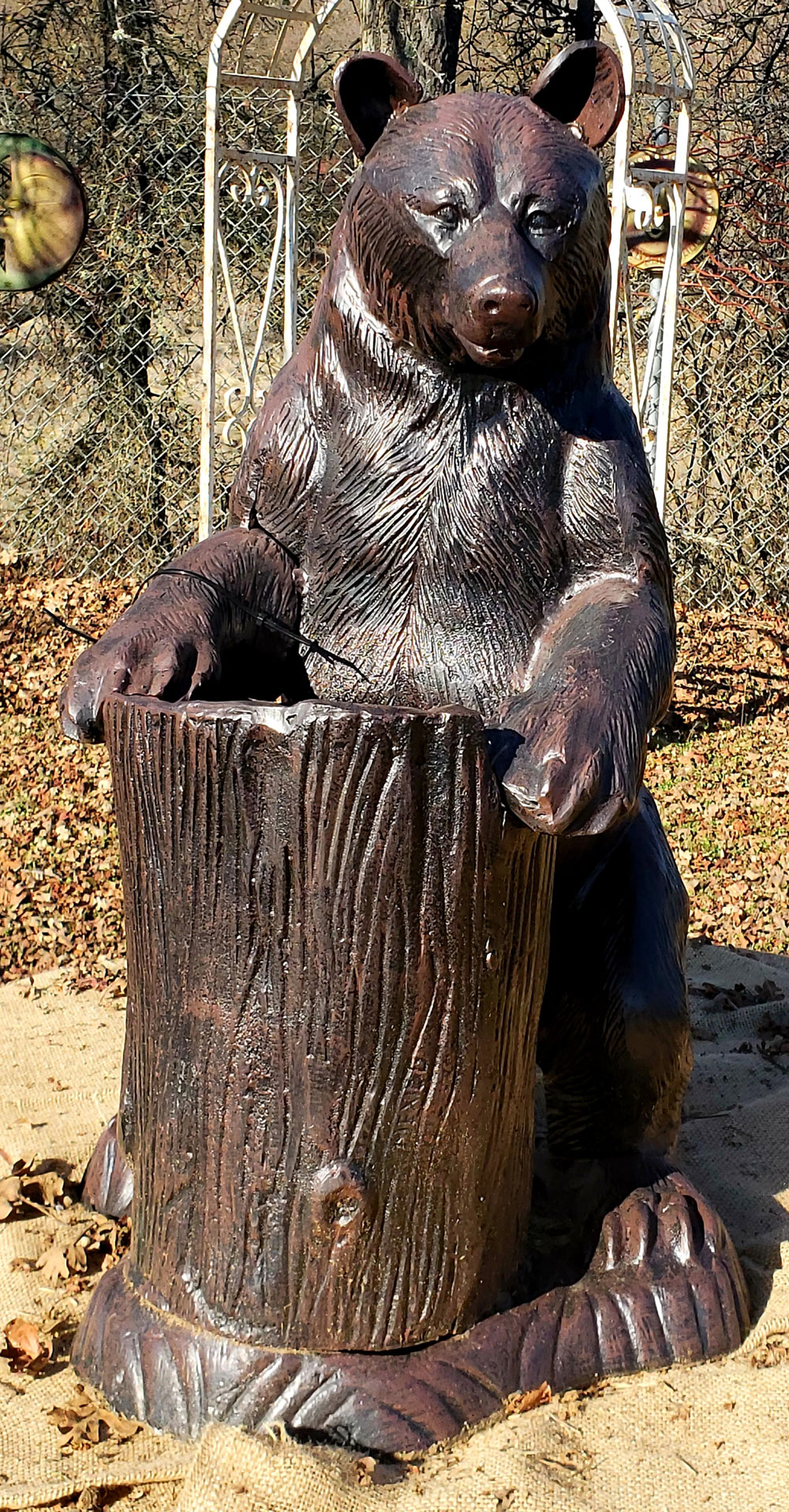 bear-statue-tree-stump-planter-front